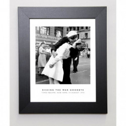 PHOTOGRAPHY COLLECTION Image encadrée Kissing the War Goodby
